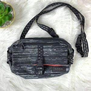 Dakine Women's Convertible Hip Bag/ Crossbody